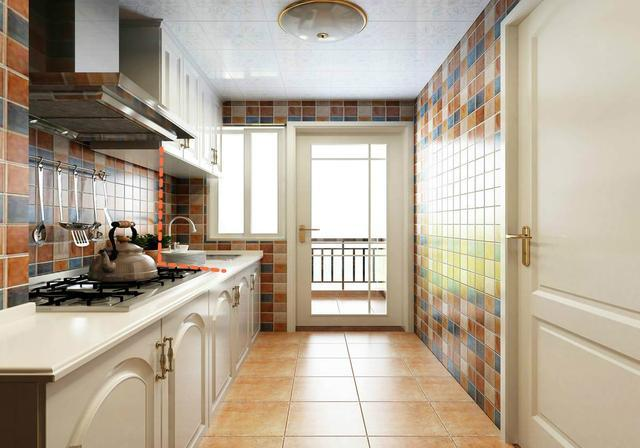 小厨房如何节省空间进行设计?吊柜下方加块板试试!
