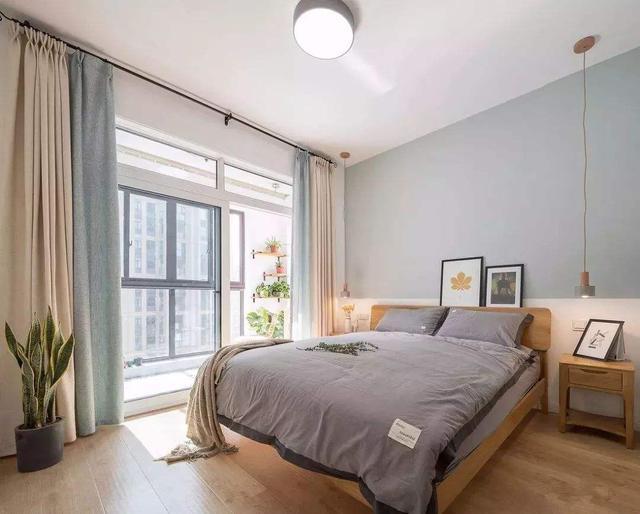 卧室里有阳台或者卫生间 装修要做好这些