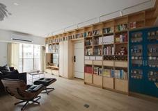 沈阳老房翻新案例|40年老房花式翻新,电视、书架、大门居然全在一面墙里