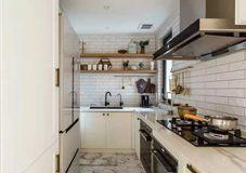 沈阳厨房翻新案例|厨房是狭长形的,该如何设计?参考一下别人家的